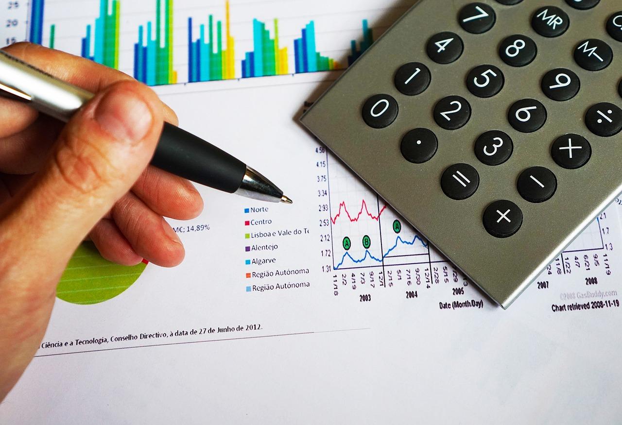 איפה לומדים השכלה פיננסית?